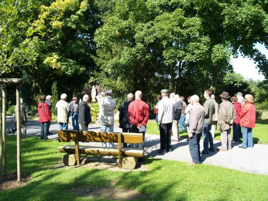 Im Kirchenpark in Diestedde